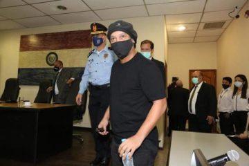 Ronaldinho es puesto en libertad tras seis meses detenido