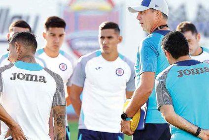 Liga MX: Cruz Azul y Siboldi con serios aprietos y dudas a pesar de la victoria ante Chivas