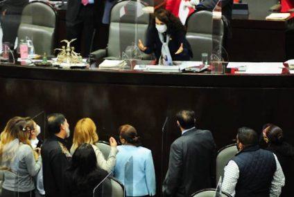 Entre polémica, diputados quitan 32 mil mdp al Fondo de Salud