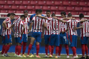 Chivas sufrió la baja de un jugador por COVID-19 previo a la semifinal contra León