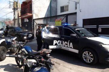 Policías detienen a presuntos asaltantes en el centro de Tuxtla