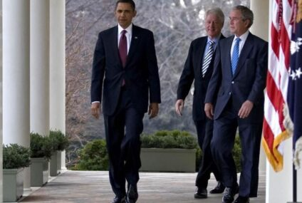 Obama, Bush y Clinton, voluntarios para aplicarse vacuna COVID-19