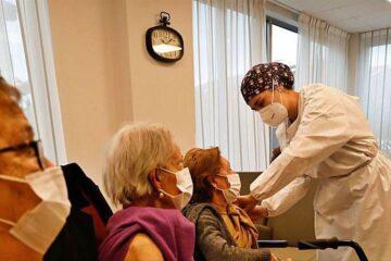 Relajan restricciones en EU para personas vacunadas