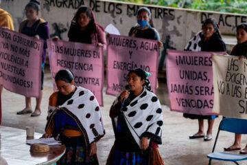 Mujeres indígenas protestan en los Altos de Chiapas por el 8M