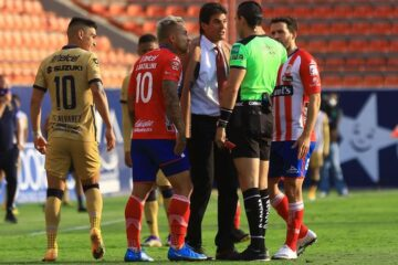 Arturo Brizio admitió que arbitraje afectó al Atlético de San Luis ante Pumas