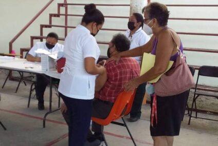 Adultos mayores no deben temer a vacuna Covid: Secretaría de Salud