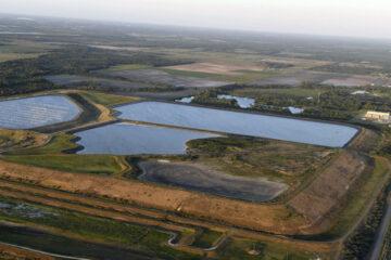 «Salgan ahora»: Declaran emergencia en Florida ante el colapso «inminente» de una represa con agua contaminada