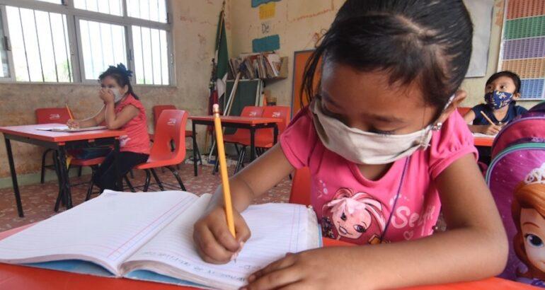 Niños volvieron a las aulas en Campeche
