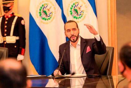 El autoritarismo de Nayib Bukele embarra la histórica buena relación con EE.UU. (y las sanciones sobrevuelan El Salvador)