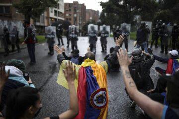 La ONU llama a garantizar las protestas en Colombia y que la fuerza pública actúe cumpliendo con «la protección y el respeto por los derechos humanos»