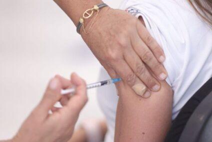 Los de 30 acudieron masivamente a vacunarse contra COVID-19