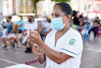 Inicia inmunización anti COVID-19 en comunidades apartadas de Chiapas