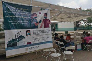 Llegan vacunas a Coita para mayores de 40 años