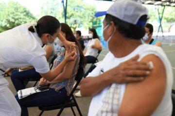 """Con estrategia """"2 + 1"""" más personas están asistiendo a vacunarse"""