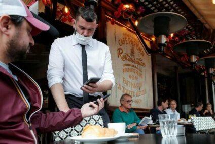 Francia comenzó a pedir hoy pase sanitario para ir a restaurantes y acceder a transportes