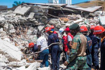 Haití pide a topos mexicanos ya no buscar sobrevivientes del terremoto