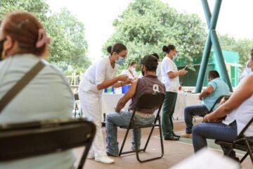 Vacunación anti COVID-19 en Chiapas supera el 45 % de cobertura