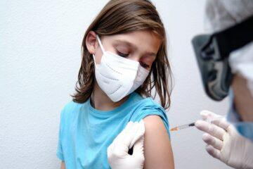 Vacunarán contra COVID a niños y jóvenes de 12 a 18 años en Nuevo León