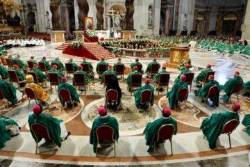 El papa abrió el Sínodo de Obispos proponiendo una Iglesia próxima a la realidad